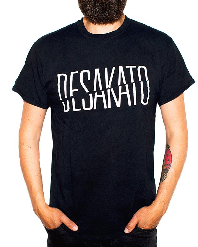 Camiseta Logo Partido de Desakato para Chico y Chica